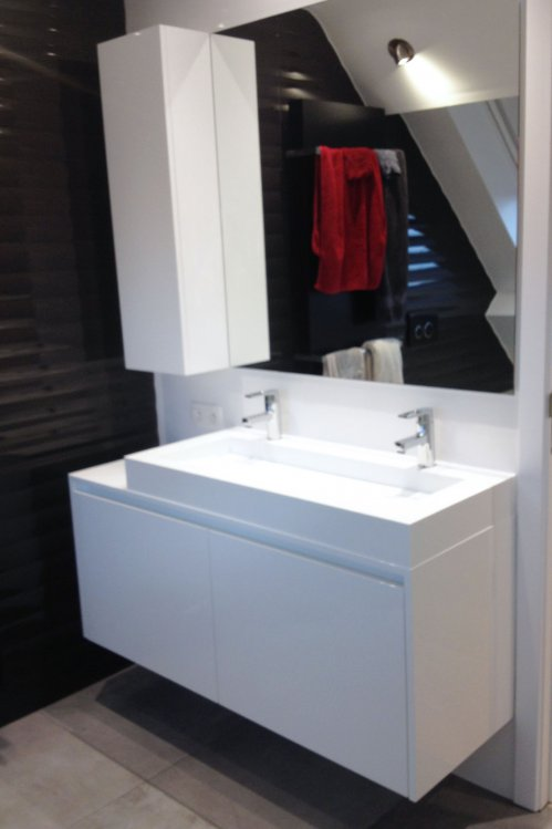 Kleine Vierkante Badkamer ~ badkamermeubels